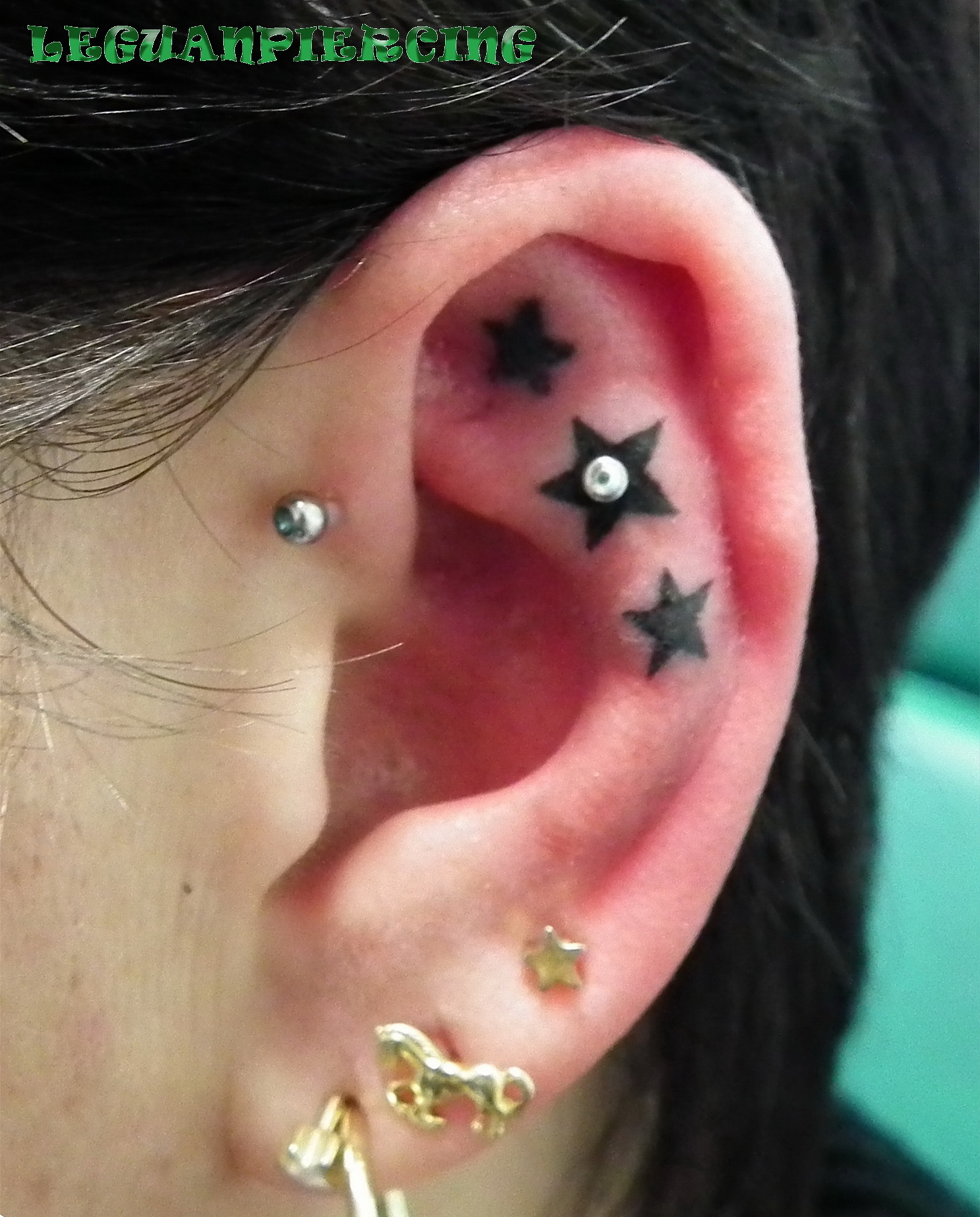Piercing; Helix; Forward Helix; Innerconch
