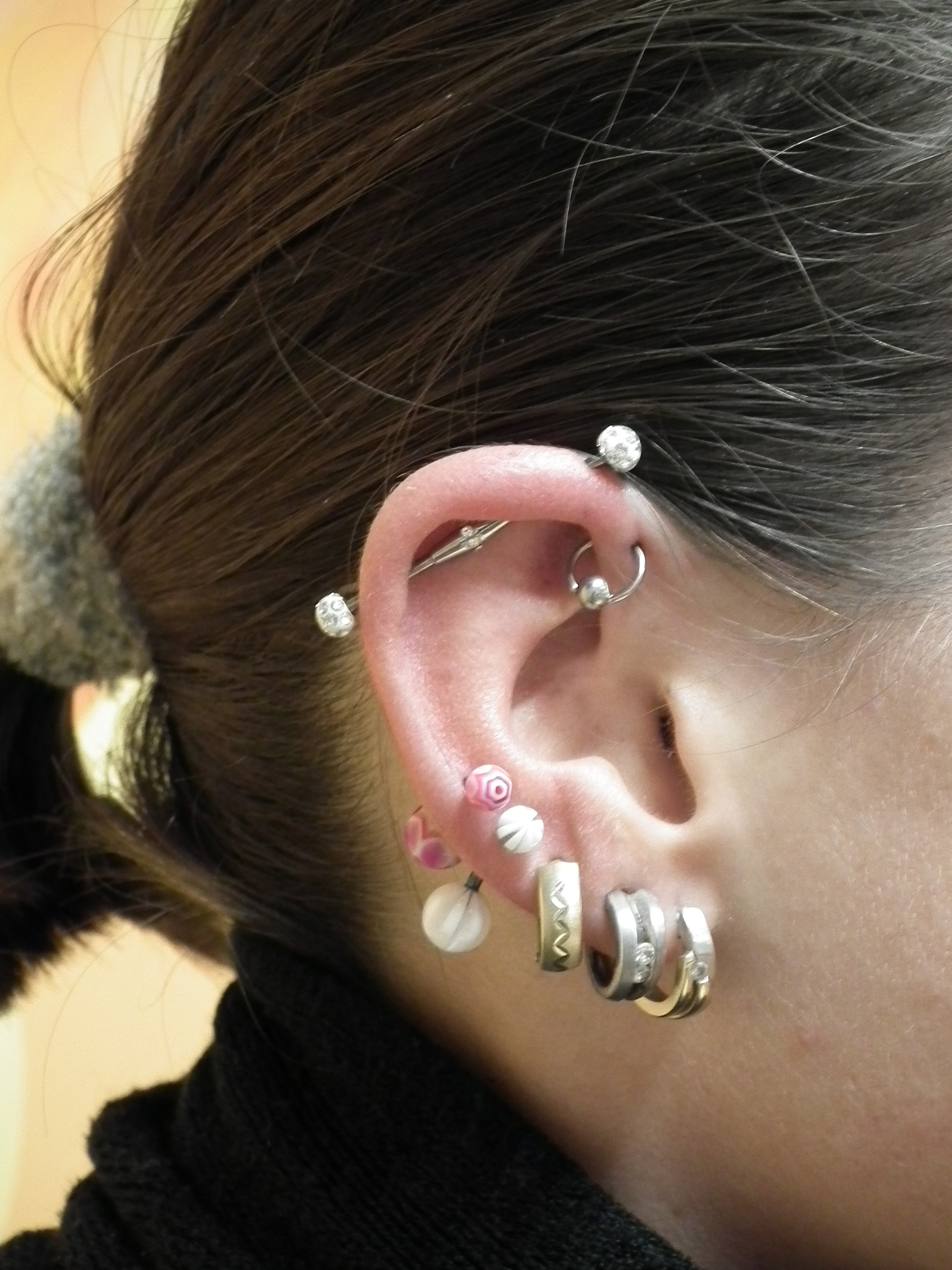 Piercing; Ohr; Industrial; Forward Helix